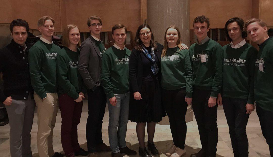 VRG Odenplans elevkår på besök i riksdagen