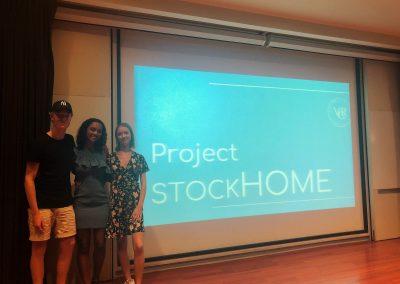 Eleverna presenterar projektet