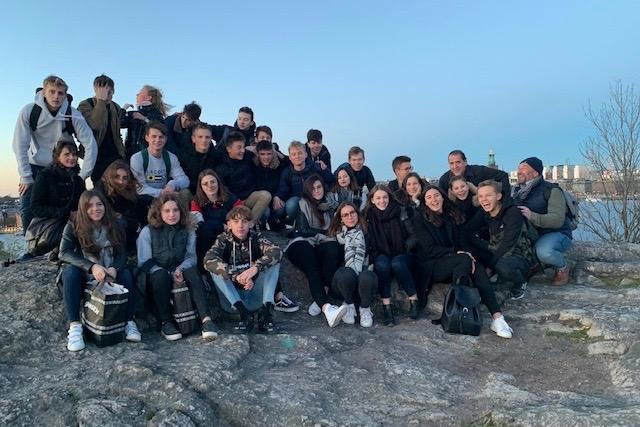 Ungdomar från Frankrike besöker Jarlaplan