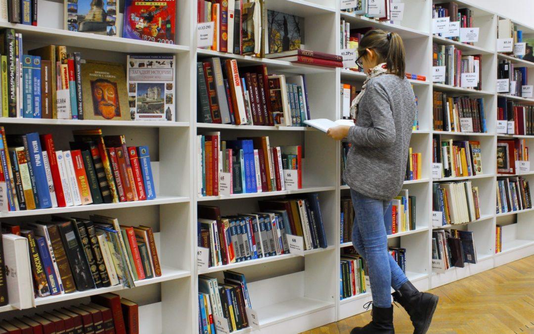 Skrivtävling och lästips från våra skolbibliotekarier